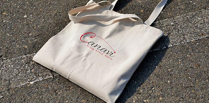 Phối cảnh thiết kế logo túi vải Canavi